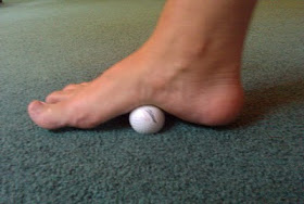 golf-ball-exercise-to-strength-the-arches